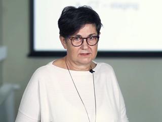 Dr. Puhl Mária