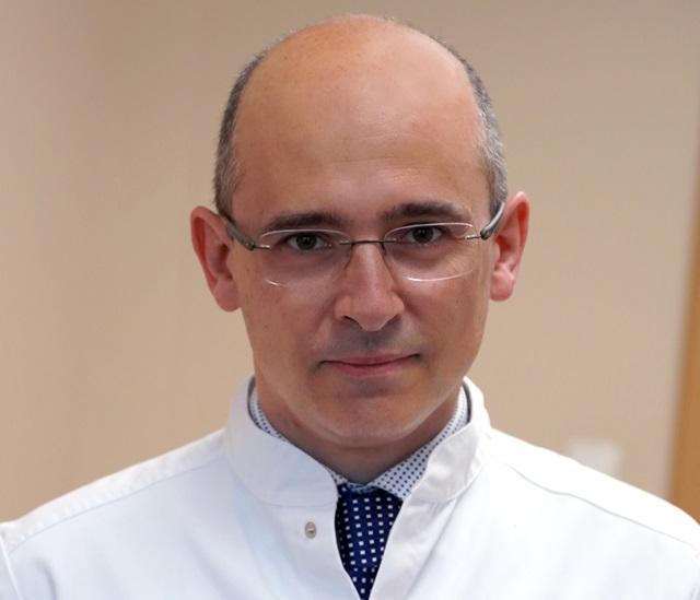 dr. Kynsburg Ákos