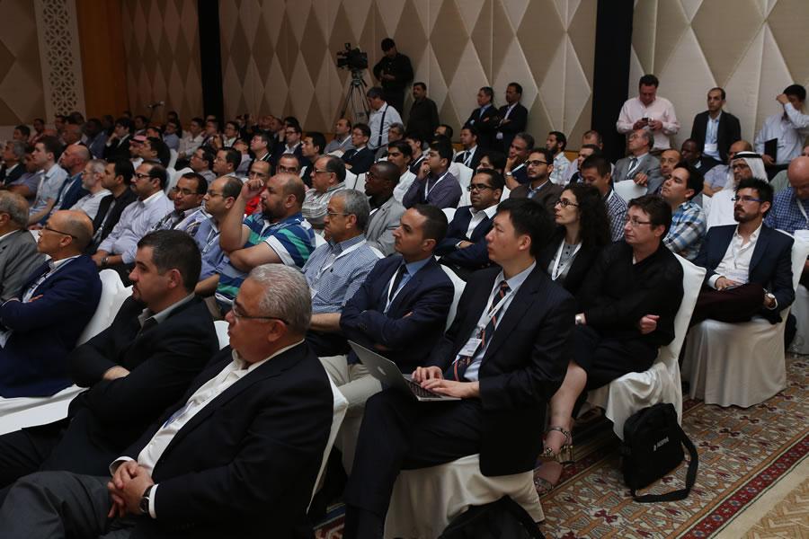 Előadás a Nemzetközi gerincgyógyászati konferencián.