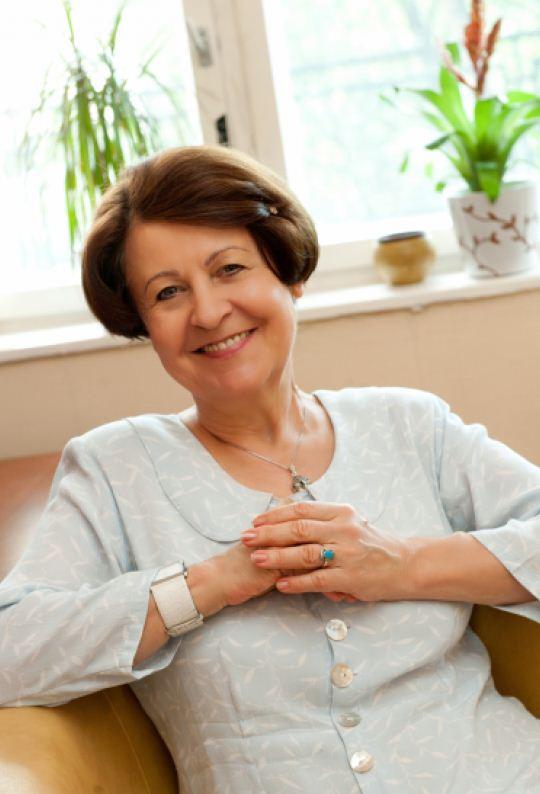 Dr. Bagdy Emőke pszichológus az Országos Gerincgyógyászati Központ pszichoterápiás osztályának vezetője.