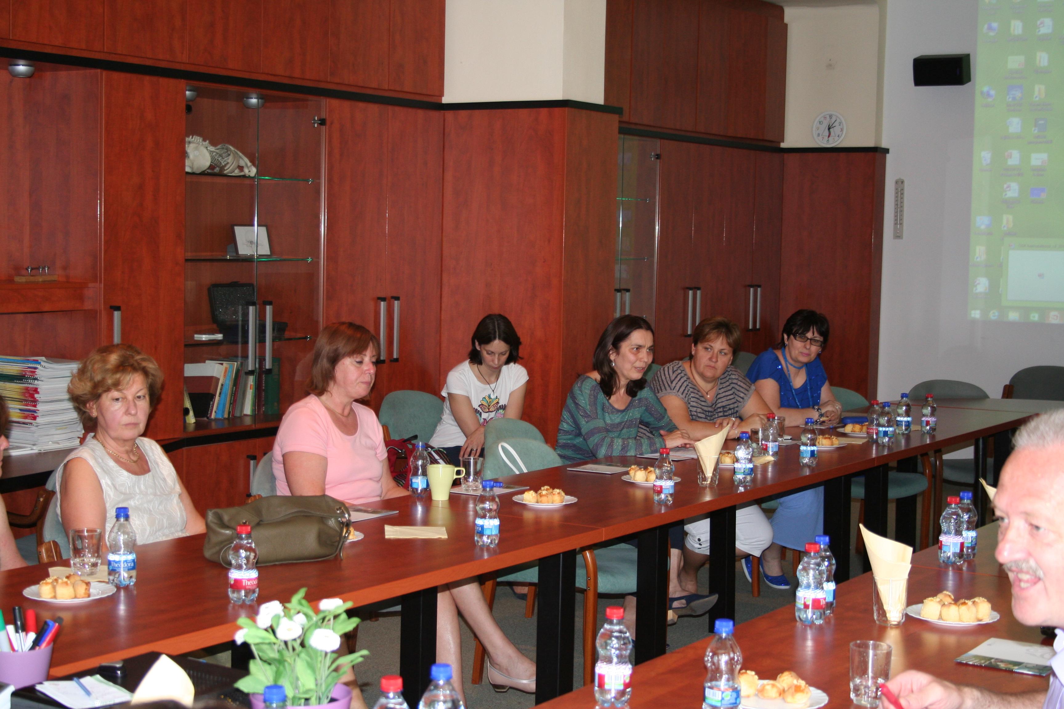 Az Országos Gerincgyógyászati Központ tájékoztatója a XII. kerületi háziorvosoknak.
