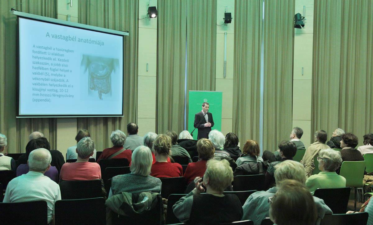 Dr. Sike Róbert, a Budai Egészségközpont gasztroenterológusának előadása a februári  szabadegyetemen.