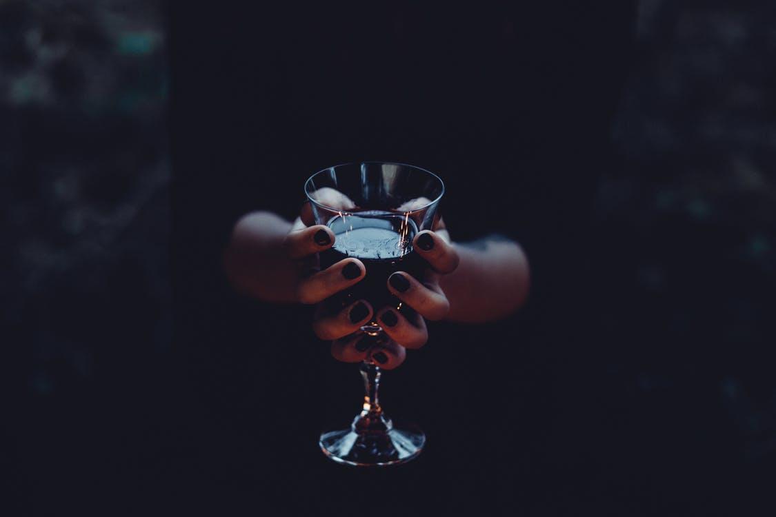 idoskor-alkohol-2